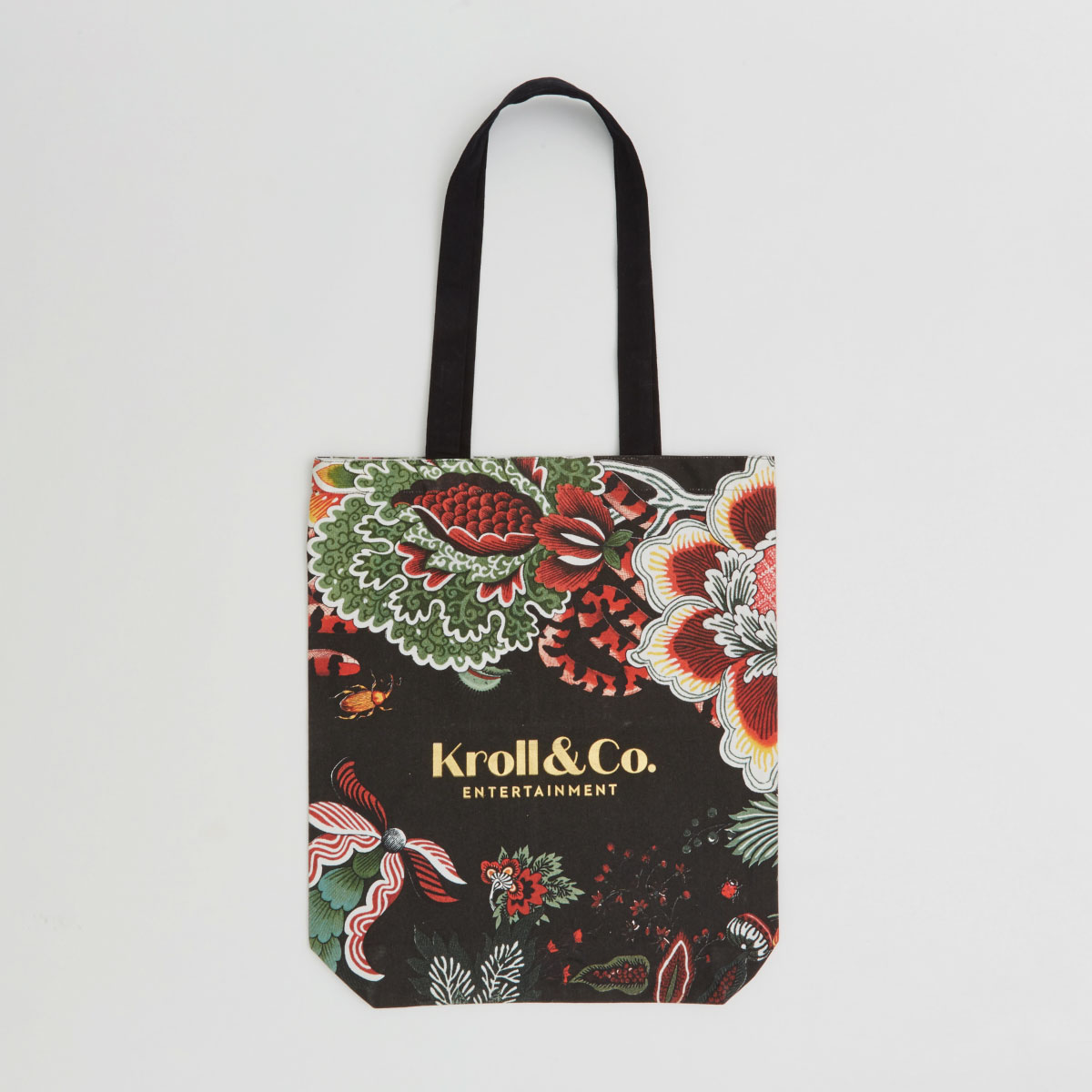 small and compact canvas bag with long handles